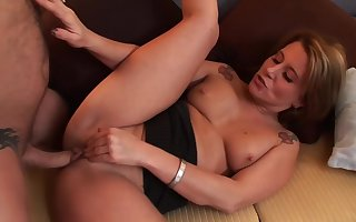 Summer Pounce upon - MILF hardcore sexual connection